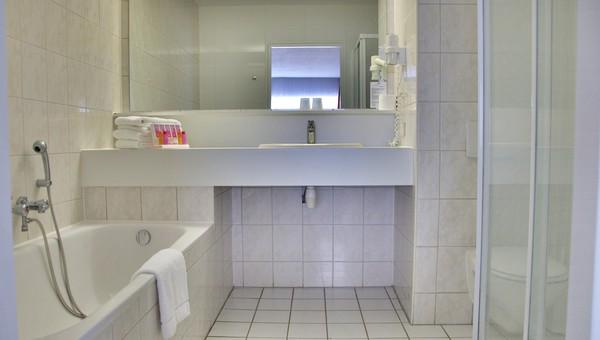 Standaard kamer voor personen van der valk hotel groningen